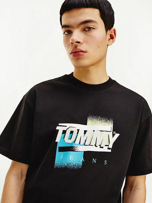 t-shirt tommy jeans in cotone con logo effetto sbiadito primo piano